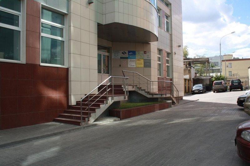 Территория офисного здания